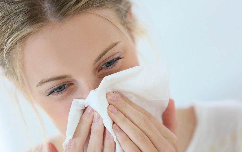 Насморк при аллергическом рините