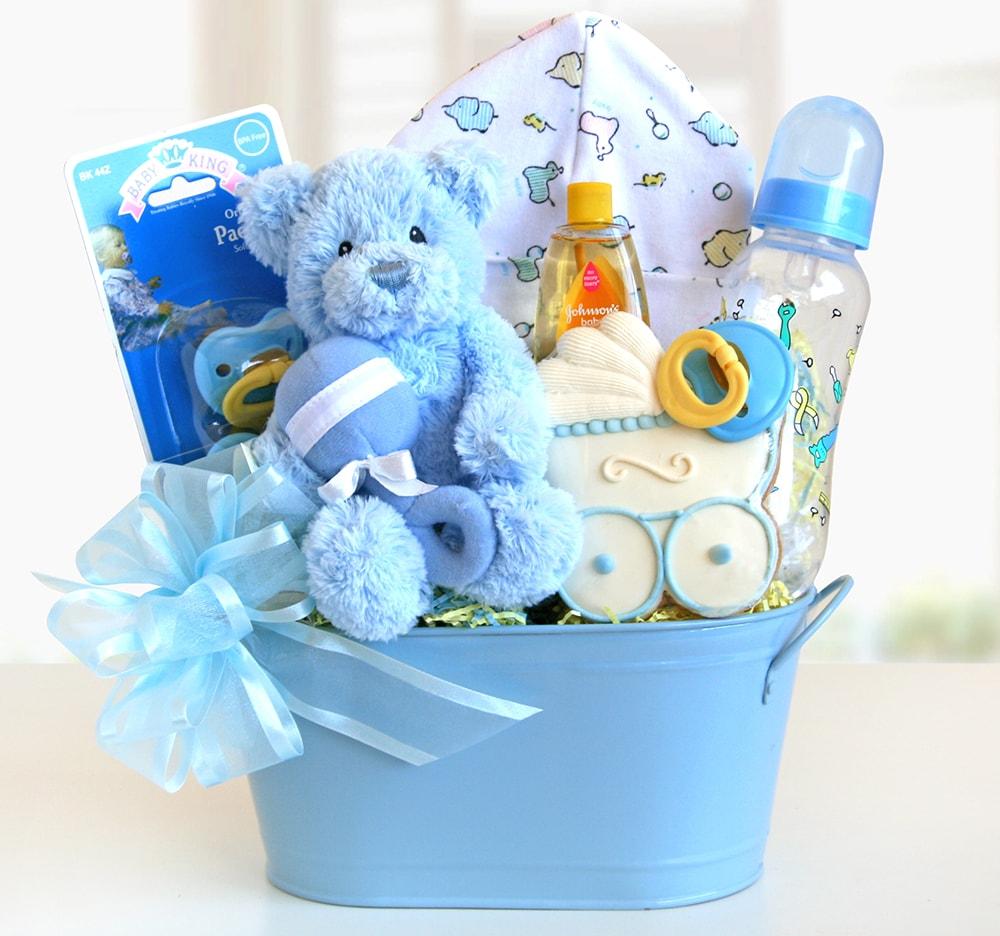 Подарок на 1 год мальчику: идеи 876