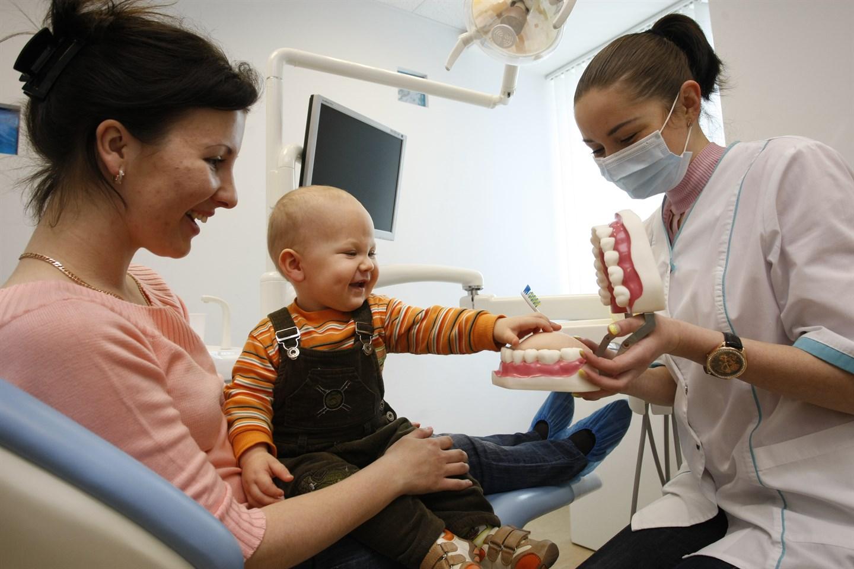 Первый осмотр у стоматолога
